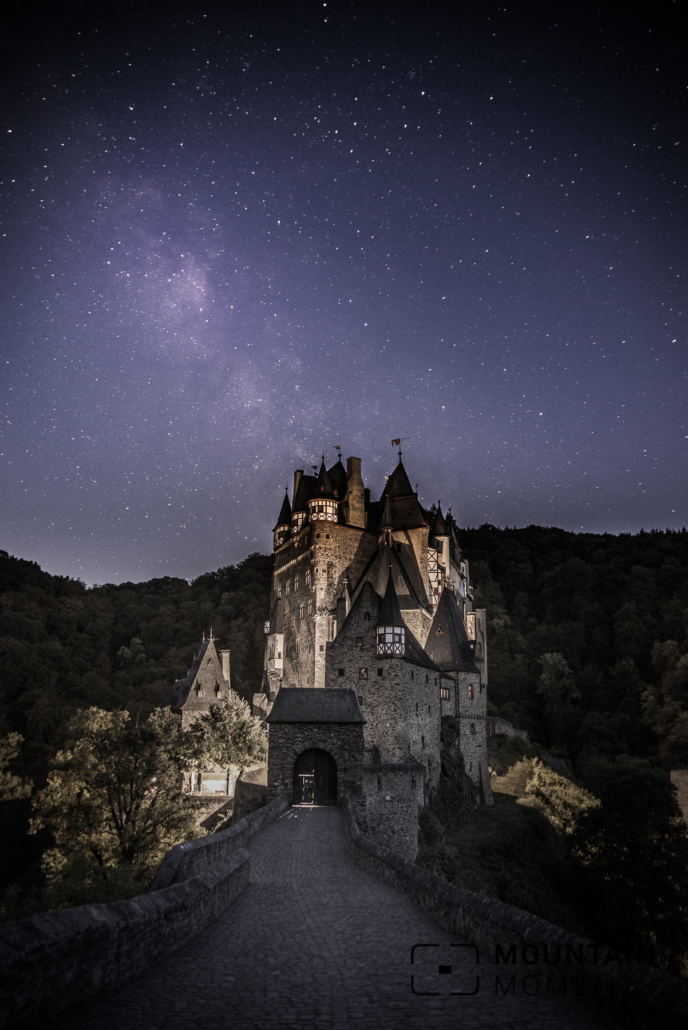3 Burg Eltz at night and a touch of the Milky Way (yes, next time we better plan ;))